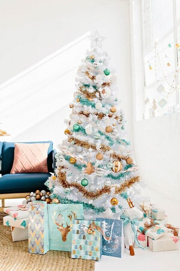 white Christmas tree decorated with golden and blue Christmas festoon Photo Pinterest