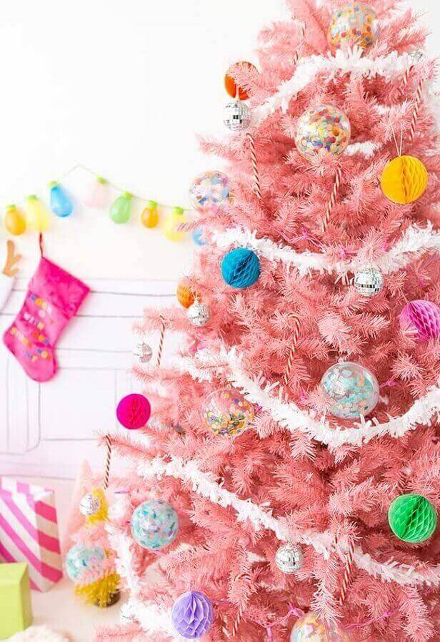 Pink Christmas tree decorated with white Christmas festoon Photo Pinterest
