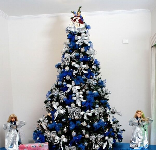 The blue and silver Christmas tree is the great attraction of the environment