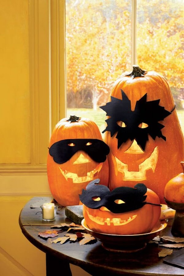 Halloween Pumpkin has masks