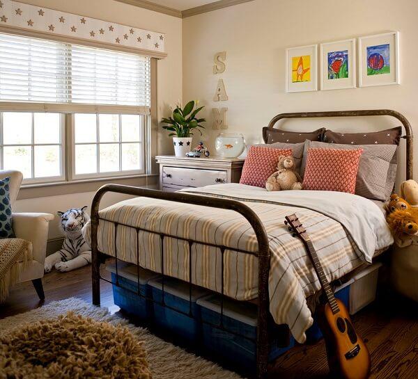 A cabeceira de ferro pode ser fixada em camas de solteiro, cama de casal, cama box e cama queen