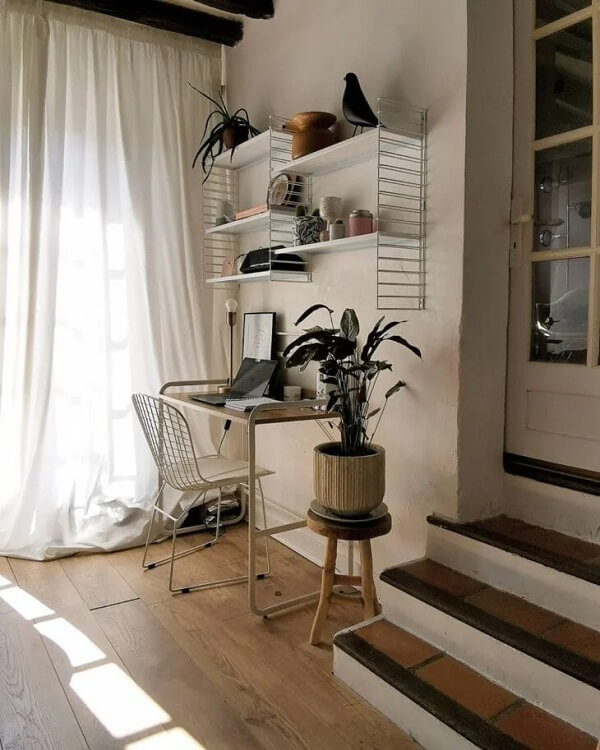 A cadeira Bertoia foi concebida pelo artista italiano Harry Bertoia