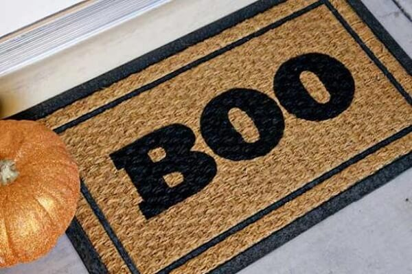Halloween pumpkin and doormat perfect for the date