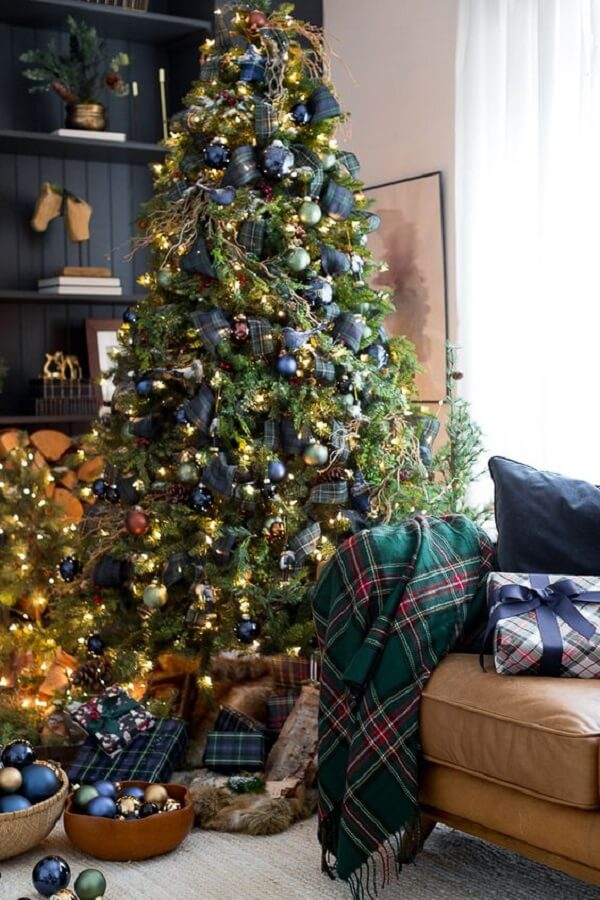 Christmas balls are very successful on the blue Christmas tree, so be sure to use them