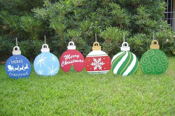 Children love this simple and inexpensive Christmas garden decoration