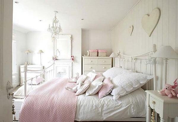 Cabeceira de ferro branco para quarto provençal