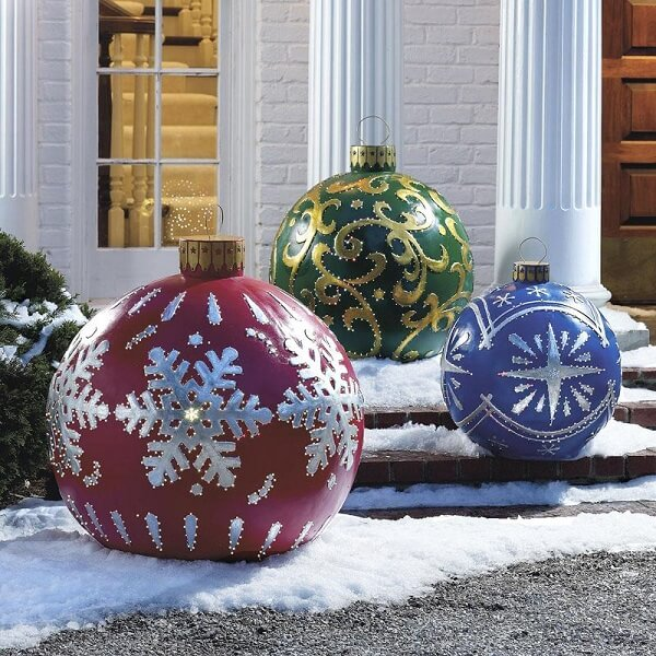 Outdoor Christmas decoration with colored balls