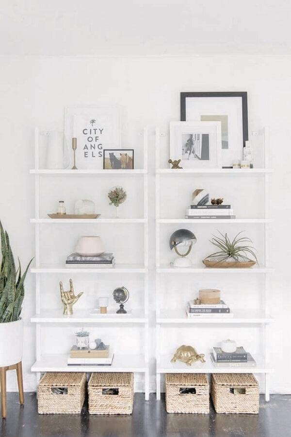 Dependendo da necessidade uma estante escada branca não será suficiente
