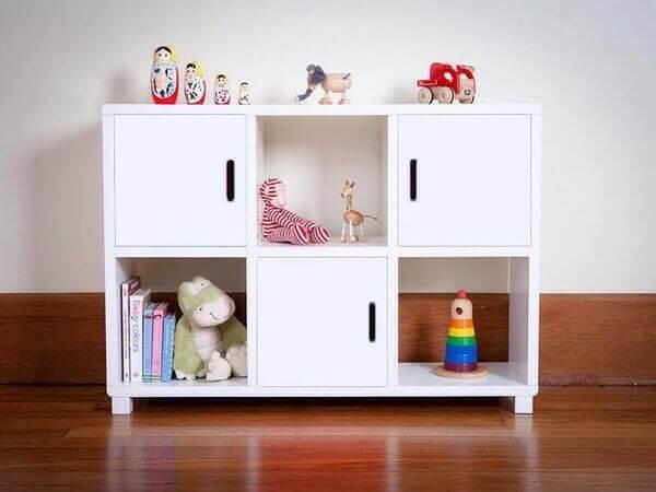 Estante nichos branca para quarto infantil