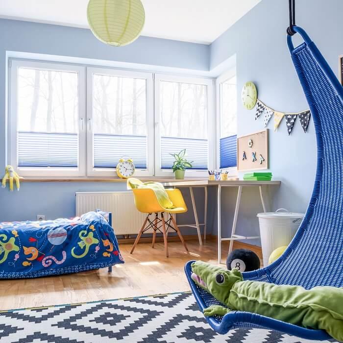 Invista em elementos decorativos no cantinho dos estudos que chamem a atenção das crianças