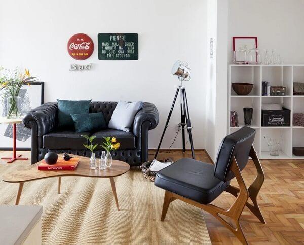 Mesa de centro retrô com design diferenciado