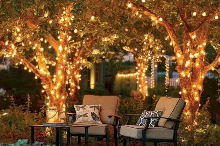 Projeto de iluminação lindo para a decoração de natal para jardim