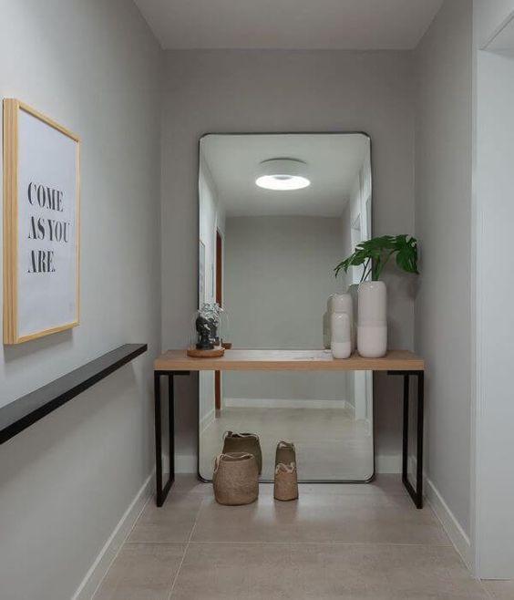 Aparador para corredor com espelho