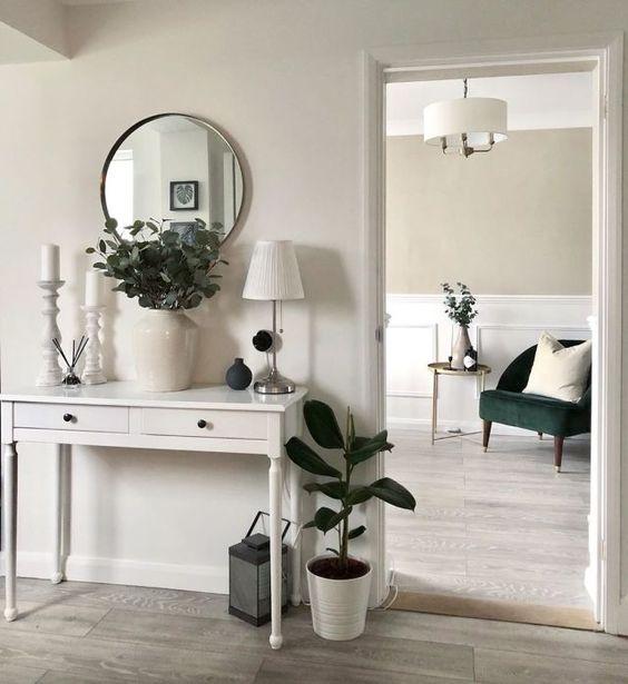 Aparador para corredor branco com espelho redondo moderno