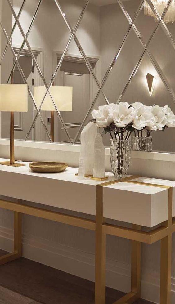 Aparador para corredor com espelho bisotado