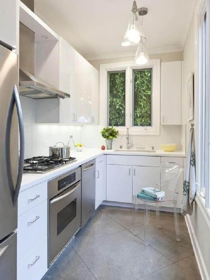 armários planejados para cozinha de canto pequena branca Foto Pinterest