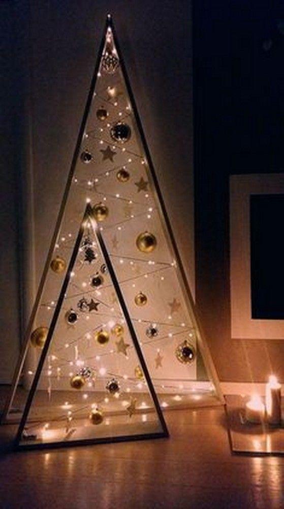 Árvore de natal iluminada com estrela