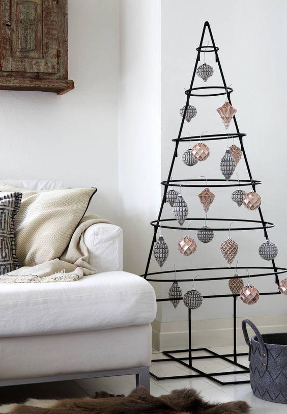 Árvore de natal diferente de ferro