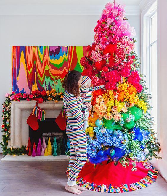 Árvore de natal diferente e colorida