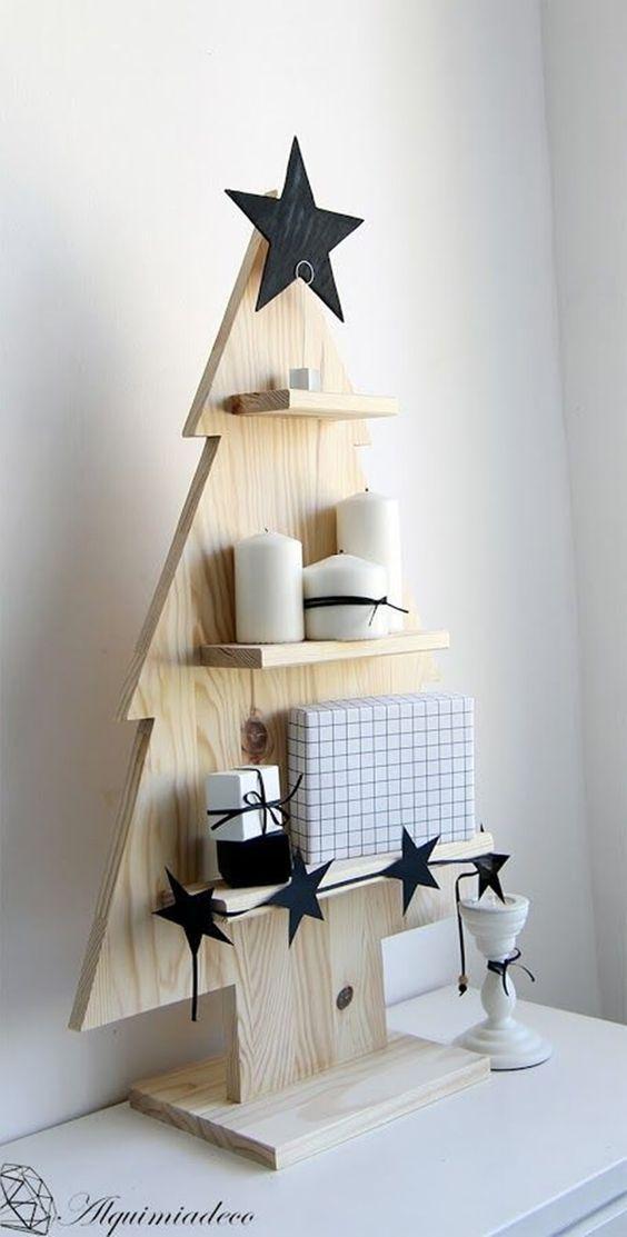 Árvore de natal diferente de madeira