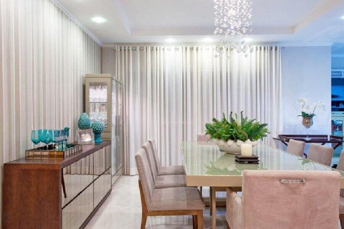 buffet aparador para sala de jantar decorada com lustre de cristal Foto Pinterest
