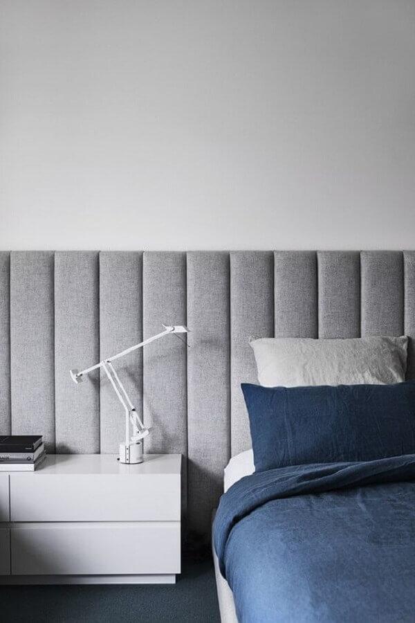 cabeceira estofada cinza moderna Foto Jeito de Casa