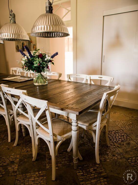 Mesa de jantar retangular com cadeira paris branca