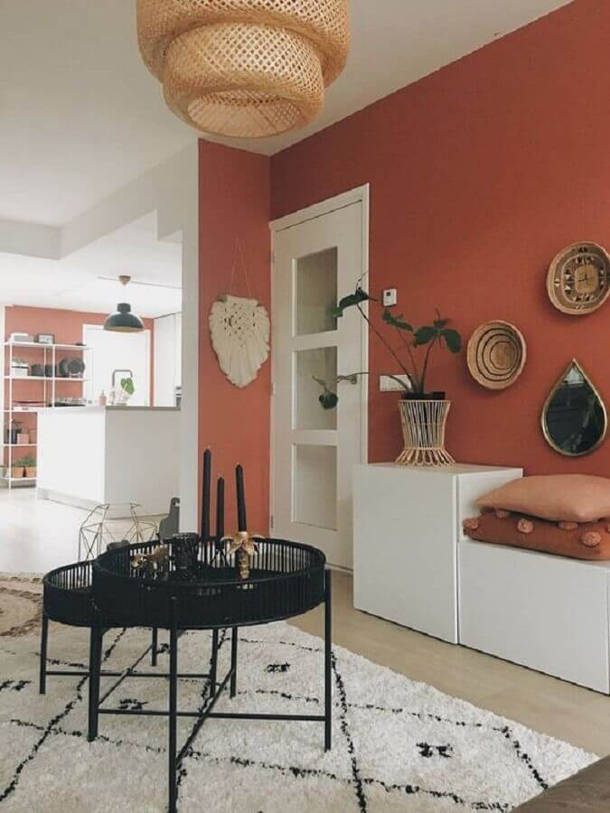 casa decorada com parede em tons terrosos Foto Home Decor Ideas