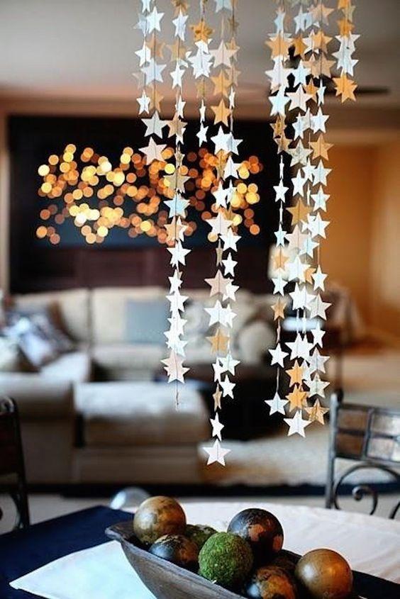 Ceia de reveillon com estrelas