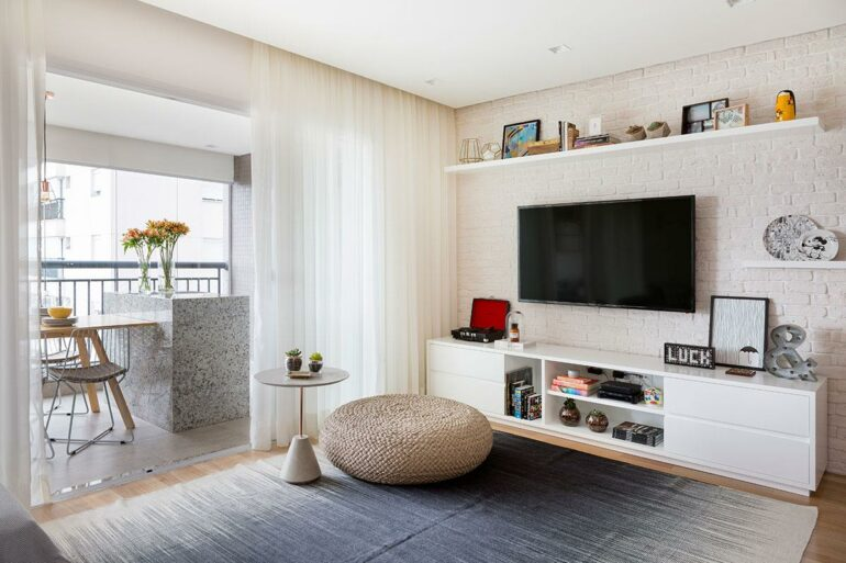 Cortinas para sala modernas brancas - Via: Doob Arquitetura