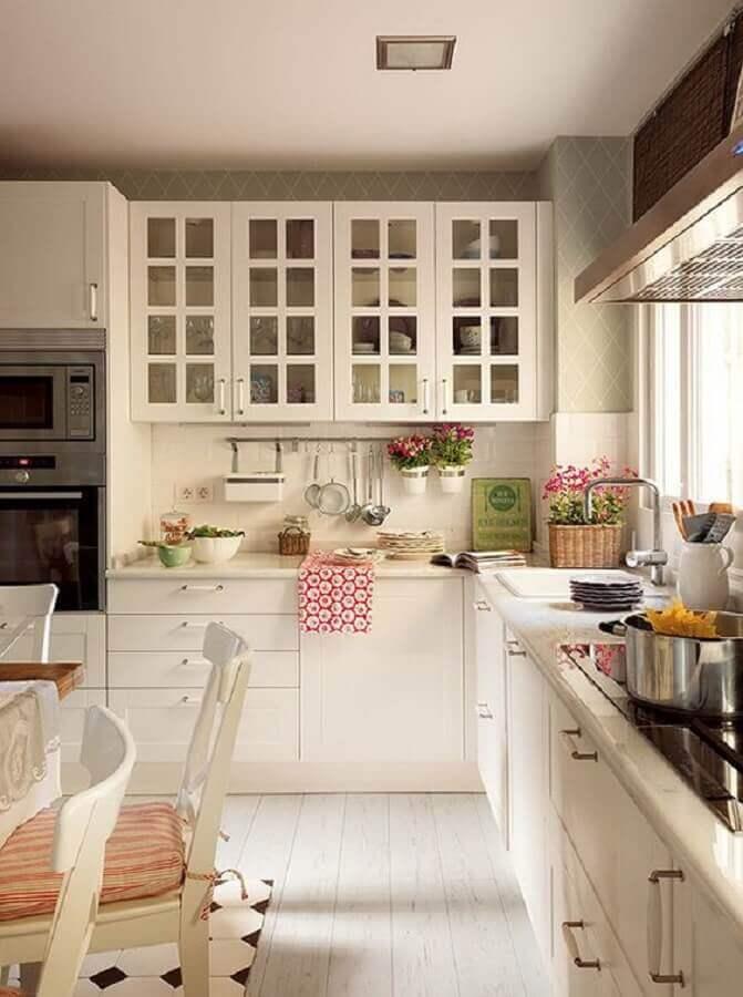 decoração clássica para cozinha planejada de canto toda branca Foto Pinterest