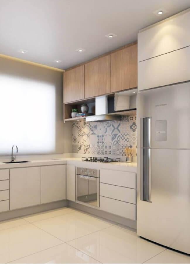 decoração clean de cozinha de canto planejada com armário aéreo de madeira Foto Archtrends