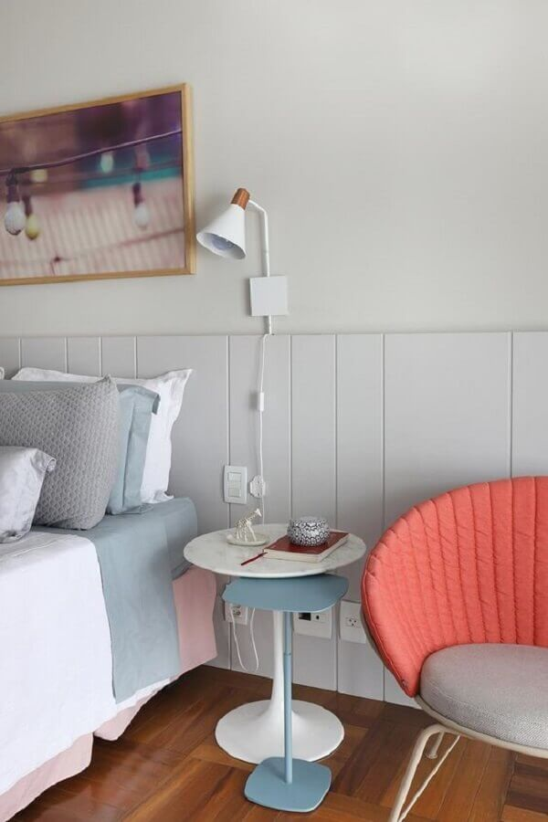decoração com mesa de canto redonda para quarto Foto Casa de Valentina