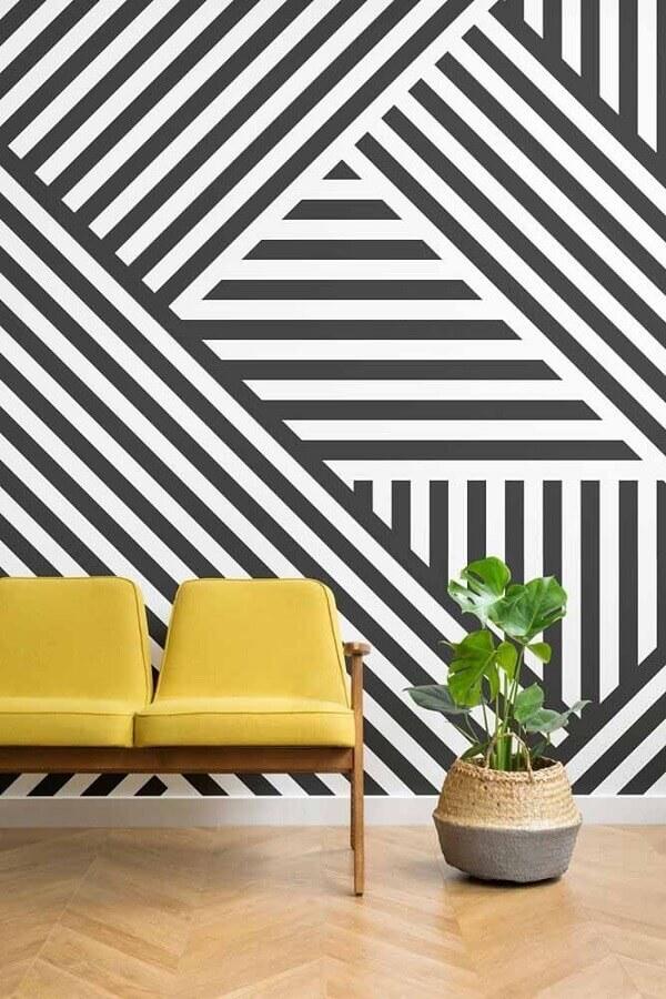 decoração com papel de parede geométrico preto e branco Foto Decorholic
