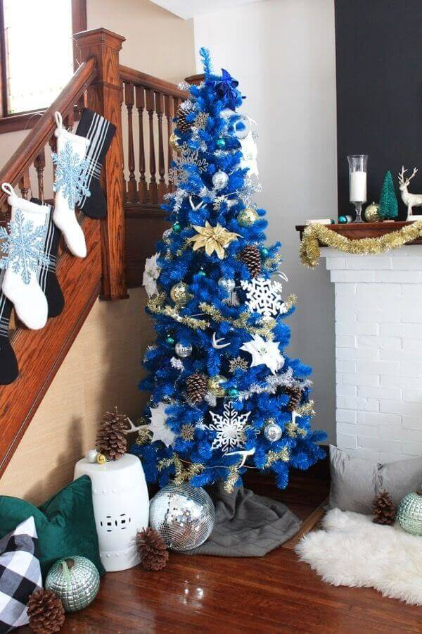 Christmas decoration with blue tree and golden and silver Christmas party Photo Pinterest