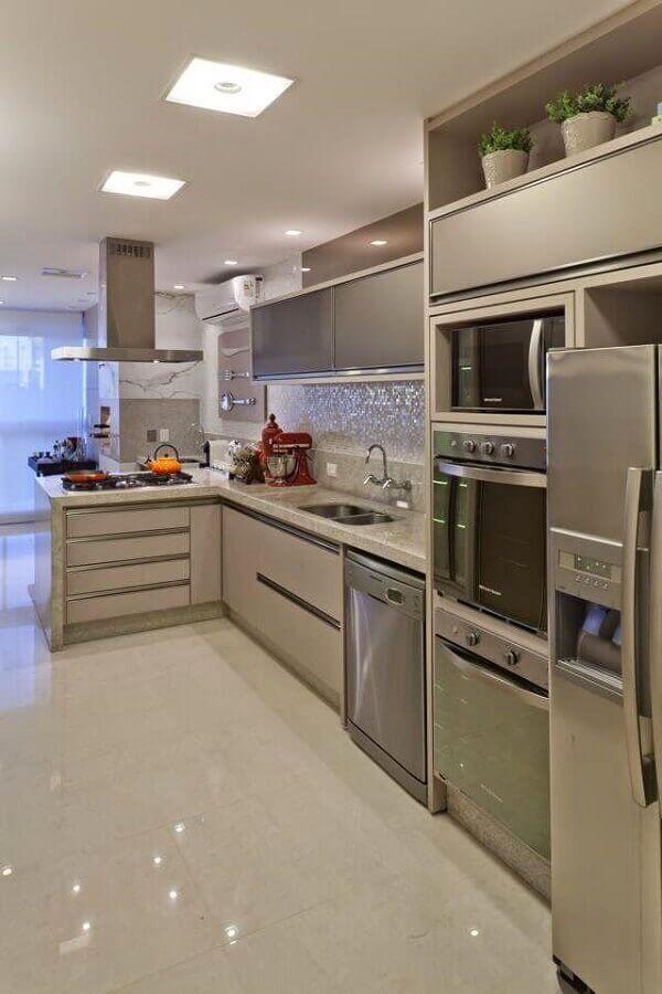 decoração de cozinha de canto planejada Foto Arquitetura + Interiores