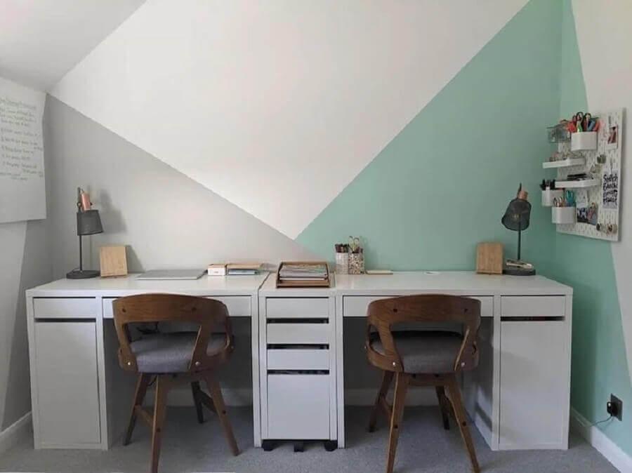 decoração de escritório com parede geométrica  Foto Redecor Designer