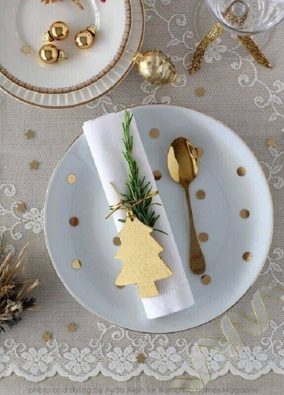 white and gold christmas table decoration photo pinterest