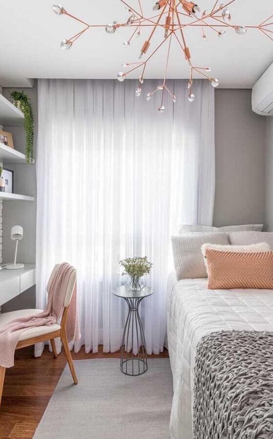 decoração de quarto de solteiro feminino pequeno cinza e rosa Foto Pinterest
