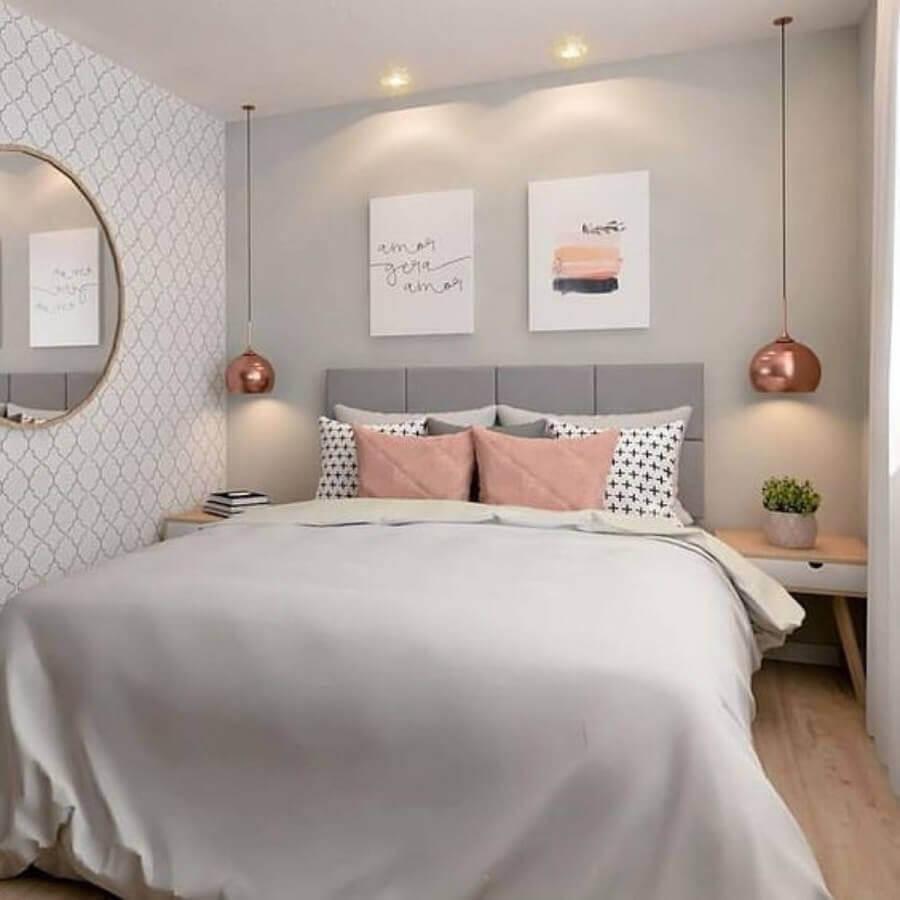 decoração de quarto feminino com pendente rose gold e cabeceira cinza claro  Foto Pinterest