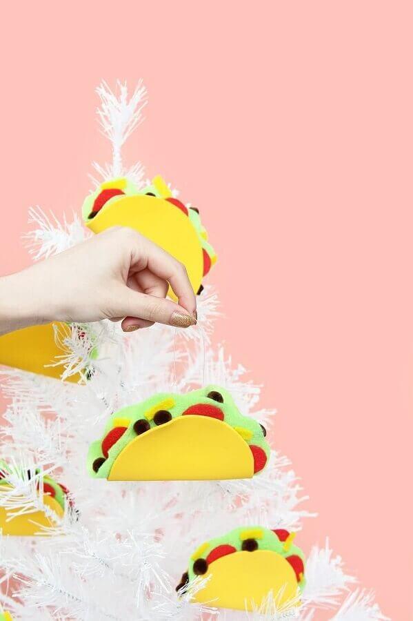 fun decoration for white christmas tree with eva decorations Foto Pinterest