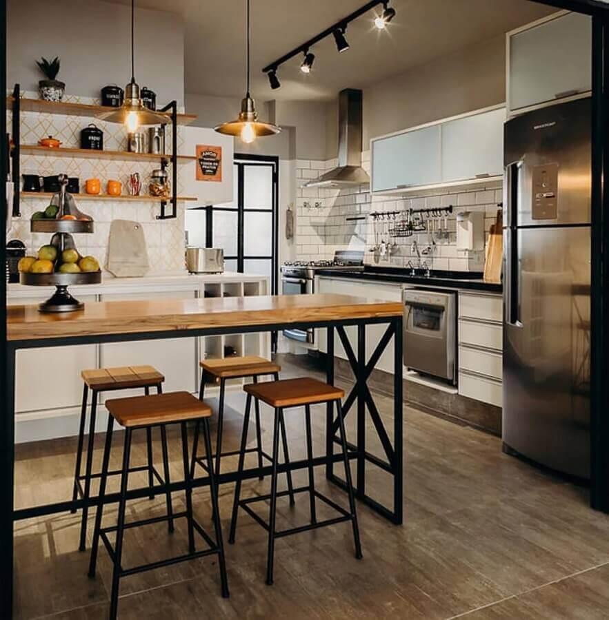 decoração estilo industrial com pendente para bancada de cozinha americana Foto Arquiteta Gabi Marques