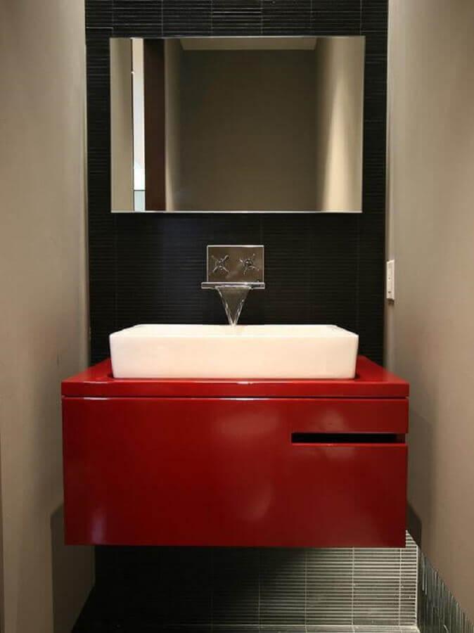 decoração moderna com gabinete para banheiro vermelho pequeno  Foto Behance