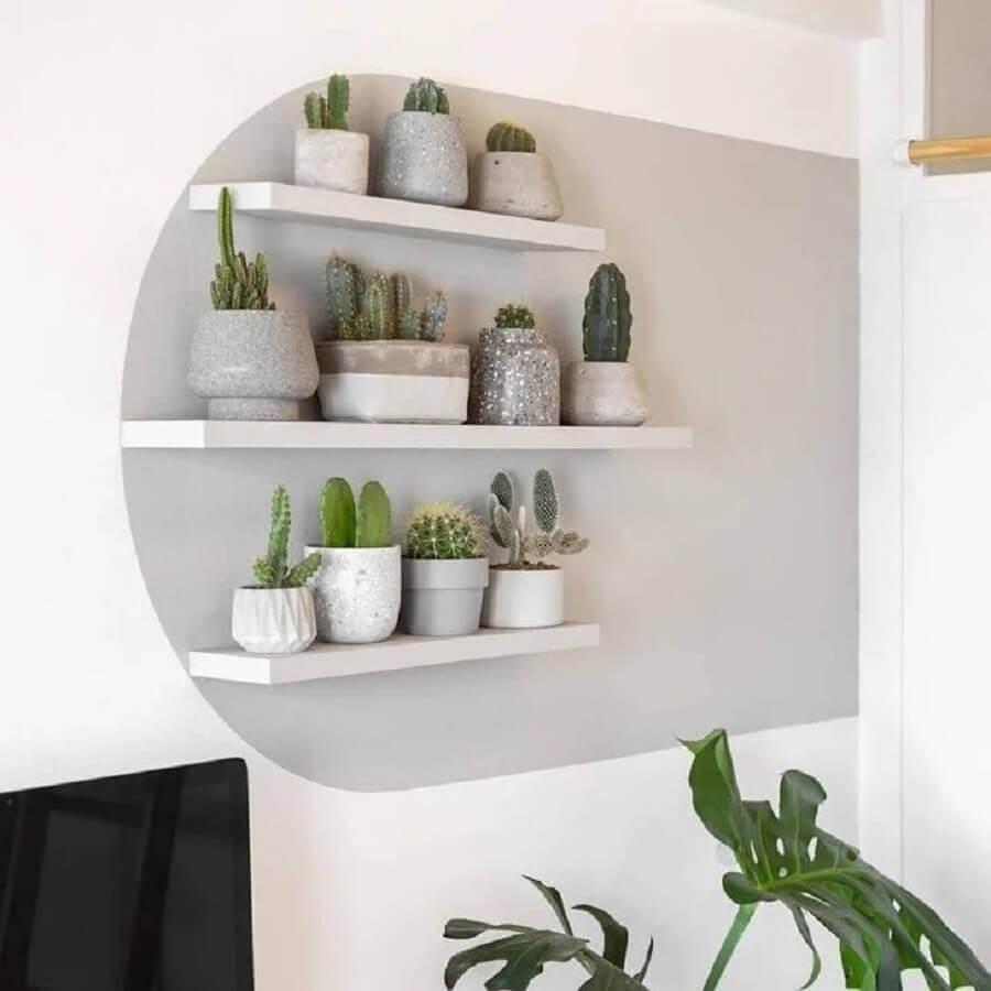 decoração moderna com prateleira para vasos de plantas  Foto Pinterest