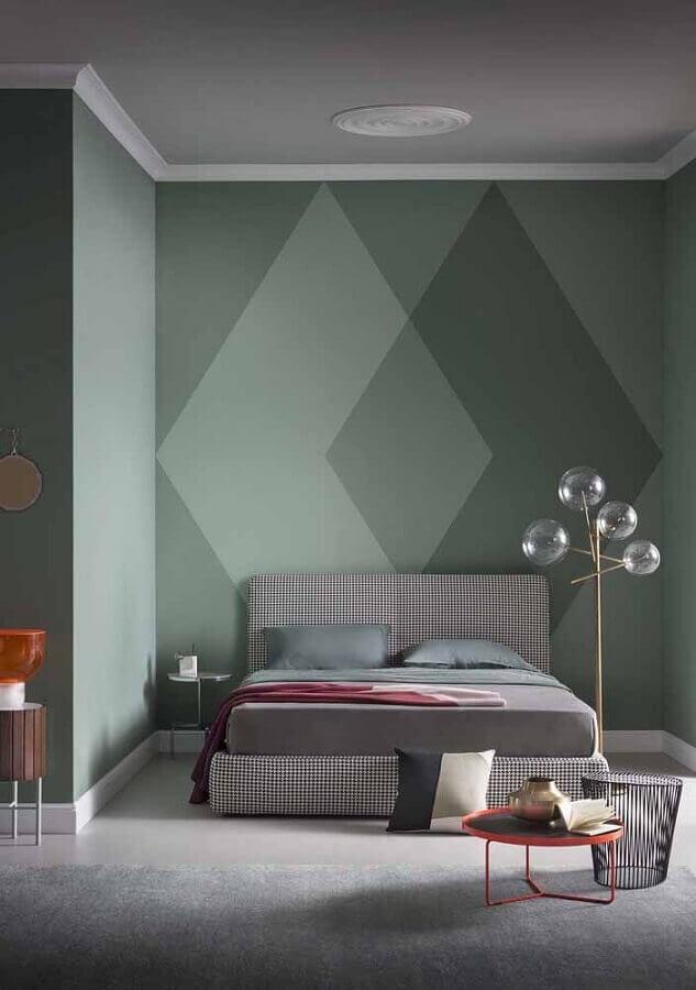 decoração moderna para quarto cinza e verde com pintura de parede geométrica  Foto Eduardo Cavalcanti Castro