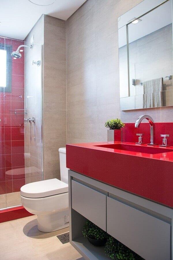 decoração para banheiro vermelho planejado Foto Homify