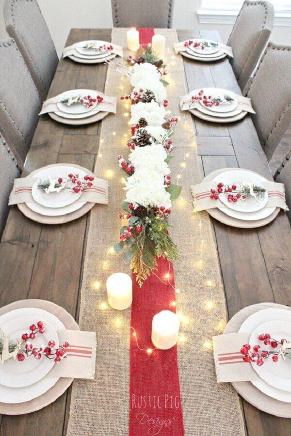 decoração para mesa natalina simples e rústica Foto Crate and Barrel