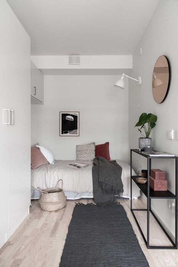 decoração simples para quarto de solteiro pequeno planejado todo branco Foto Houzz