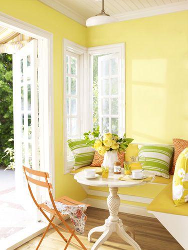 Decoração amarelo pastel