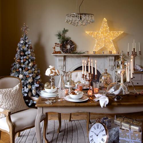 Enfeites de natal para mesa combinando com a sala de jantar